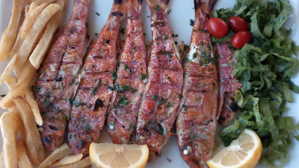 To Balcon tou Aki Grilled Red Mullet